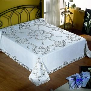 http://www.cappellinistore.com/16-thickbox/copriletto-matrimoniale-intaglio-in-puro-lino.jpg