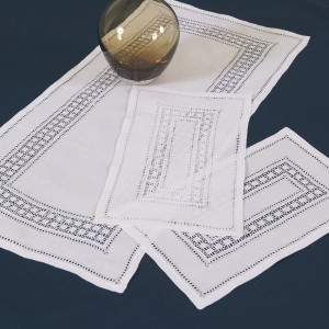 https://www.cappellinistore.com/114-thickbox/norwegian-lace-doilies-in-pure-linen.jpg