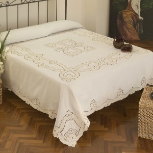 https://www.cappellinistore.com/651-thickbox/copriletto-matrimoniale-intaglio-in-puro-lino.jpg